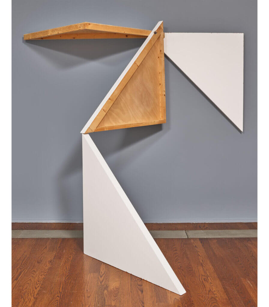 4 morceaux d'un carré (tableau) assemblés 2 par 2 perpendiculairement à l'aide d'un seul clou (4 pieces of a square (board) assembled 2 by 2 perpendicularly with a single nail)